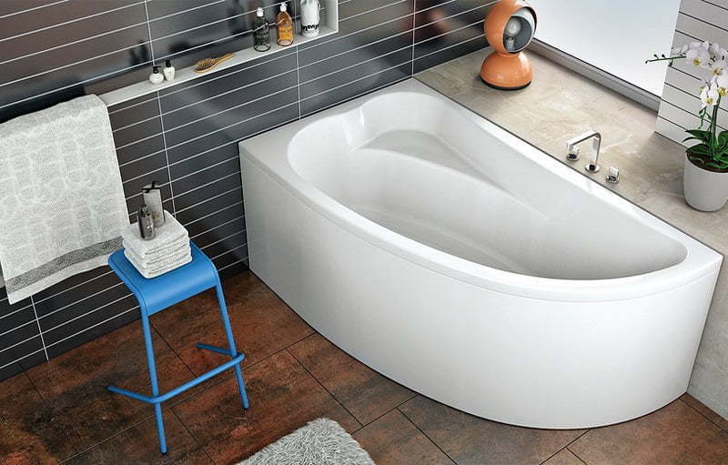 Замена и установка всех типов ванн в ванной комнате (Киев)